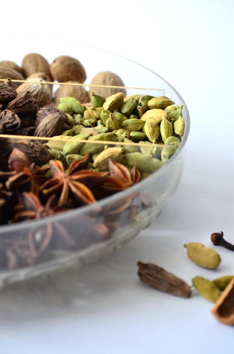 Кардамон - полезные свойства и противопоказания, применение в кулинарии и народной медицине