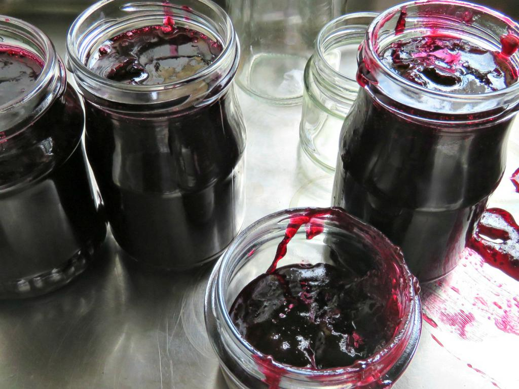Компот из смородины на зиму на 3 литровую банку без стерилизации по шагам, рецепт с фото