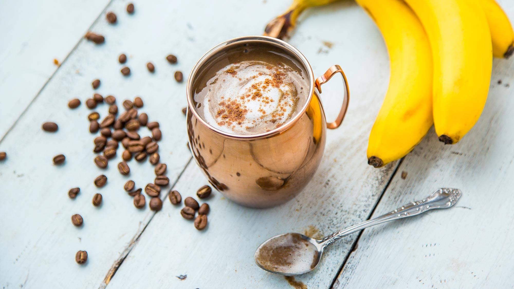 Смузи с бананом - 12 быстрых рецептов для блендера с фото