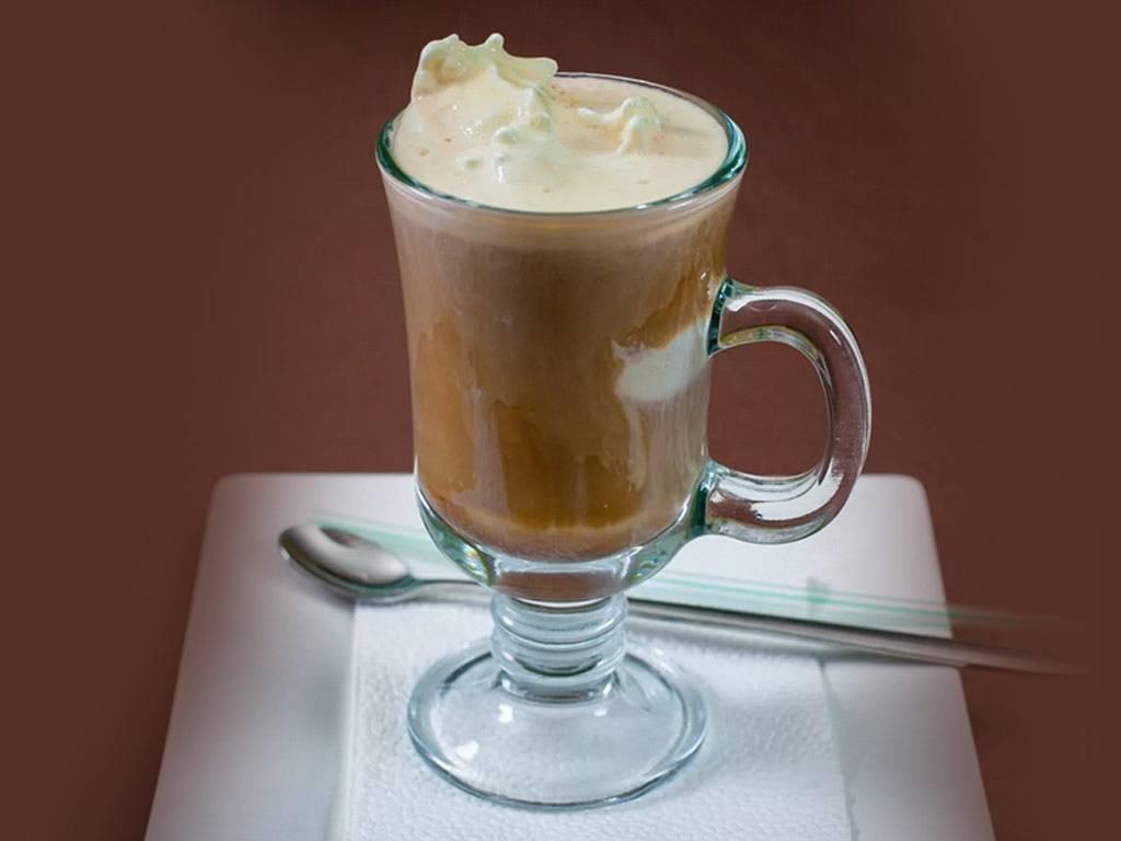 Рецепты кофе гляссе, состав и калорийность напитка и приготовление, отличие от латте