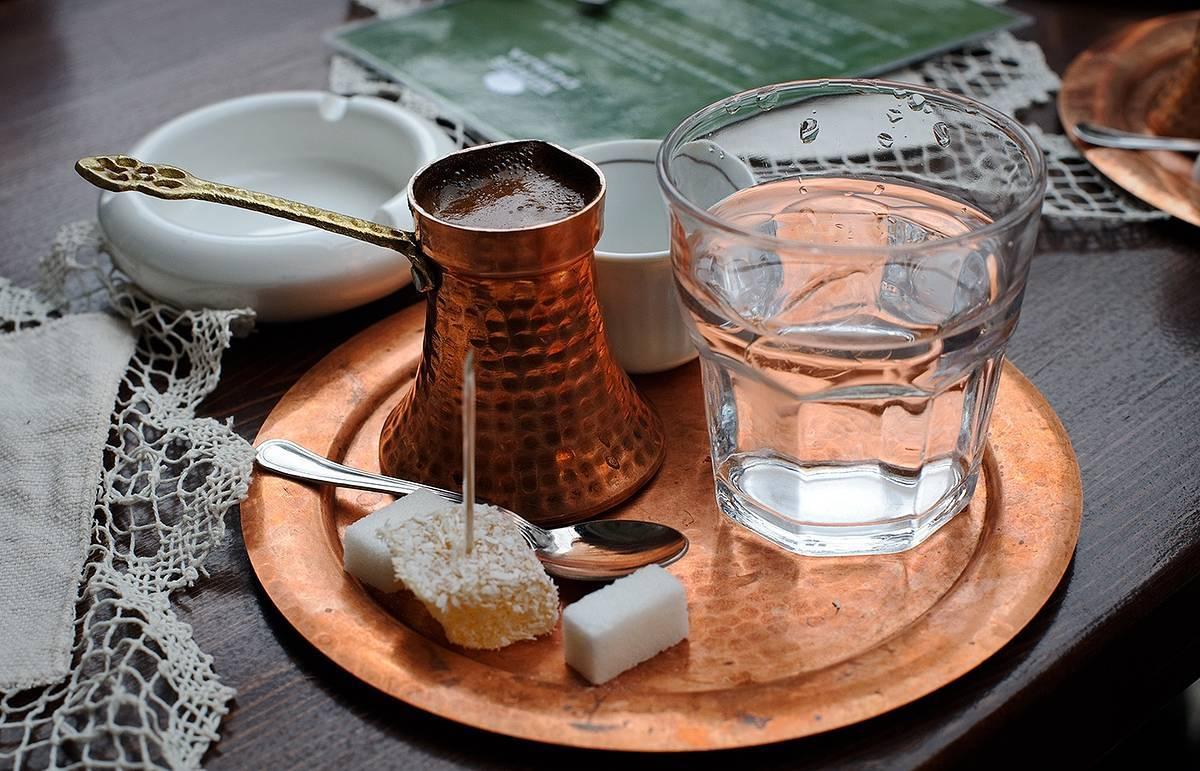 Зачем к кофе подают воду - со вкусом