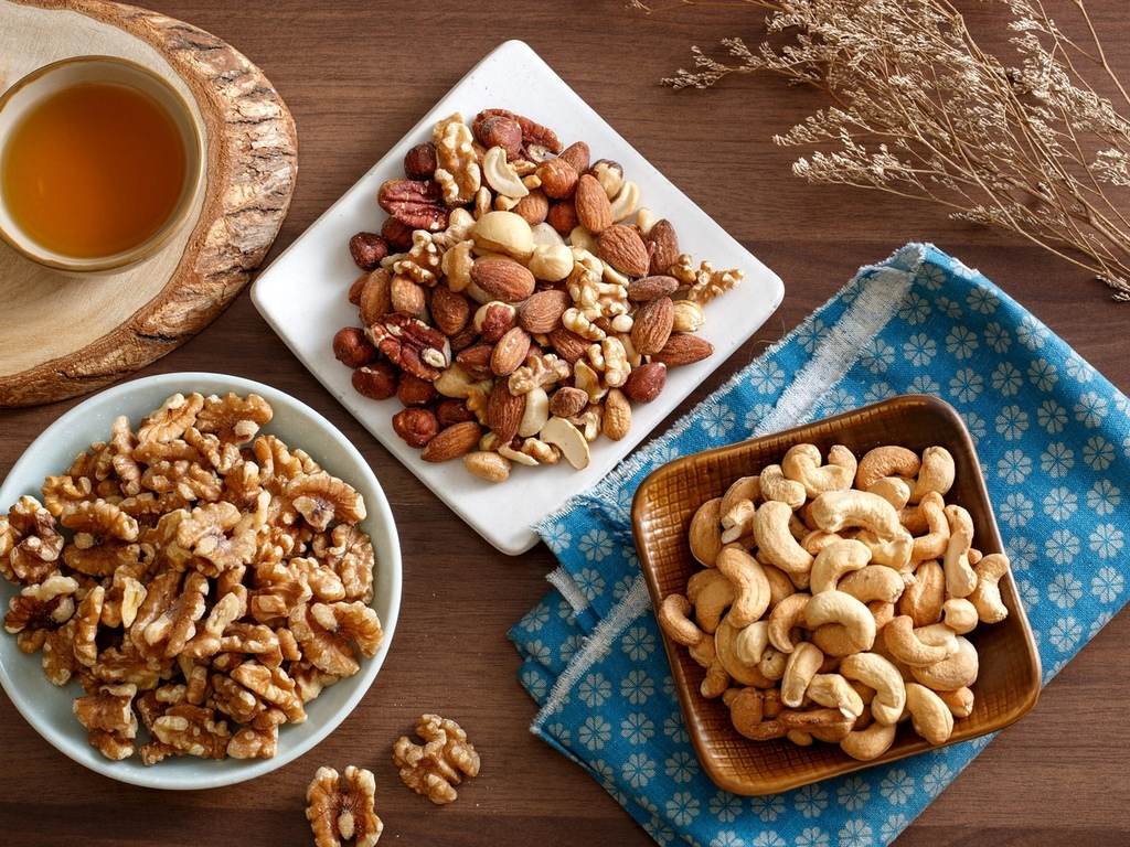 Кофе и орехи – дуэт на радость гурманам