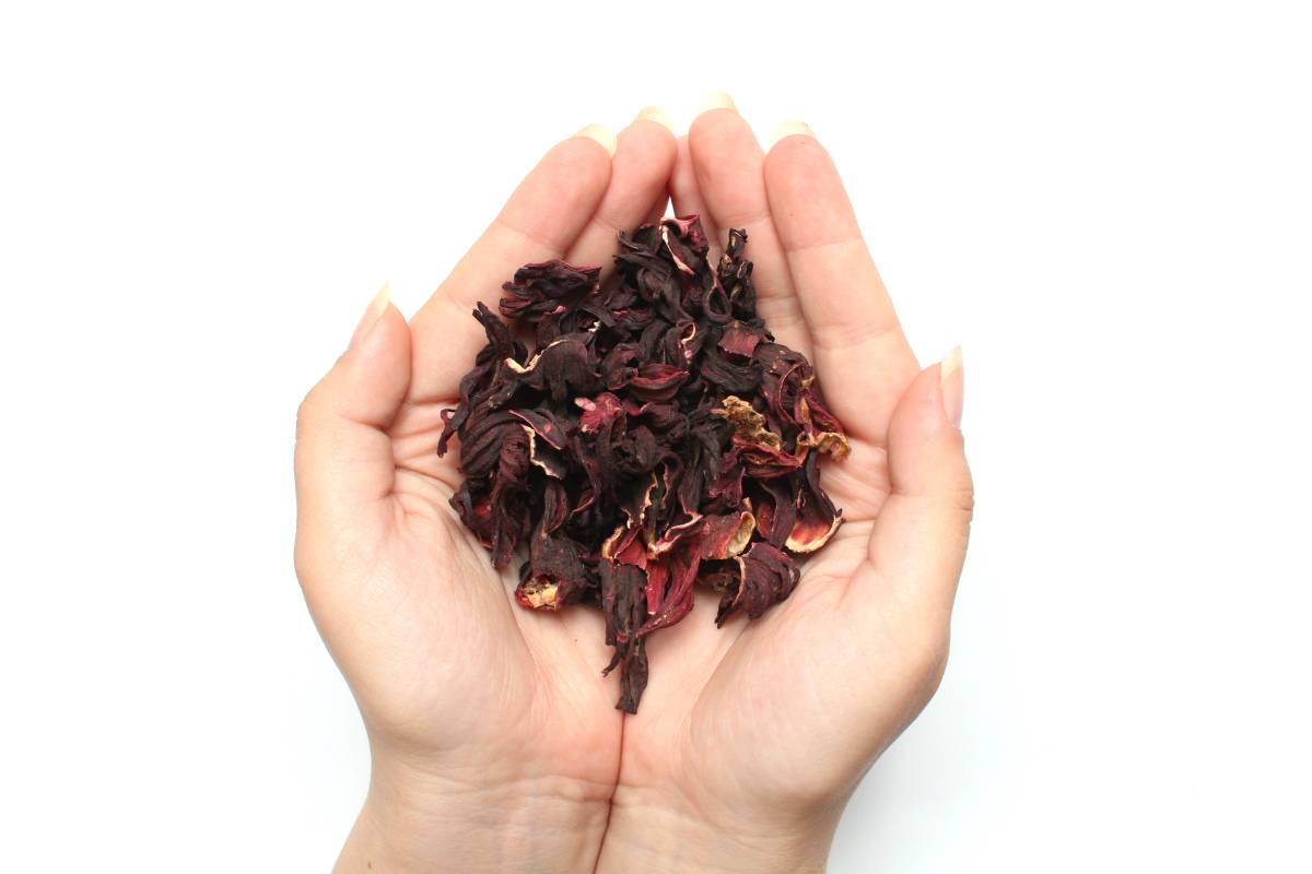 Чай с лепестками роз и мятой — пошаговый рецепт с фото