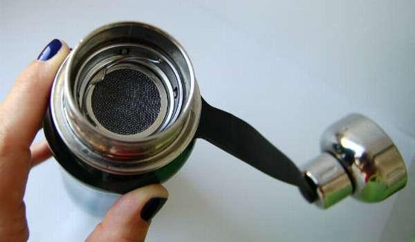 Как почистить термос – способы чистки от налетов и запахов