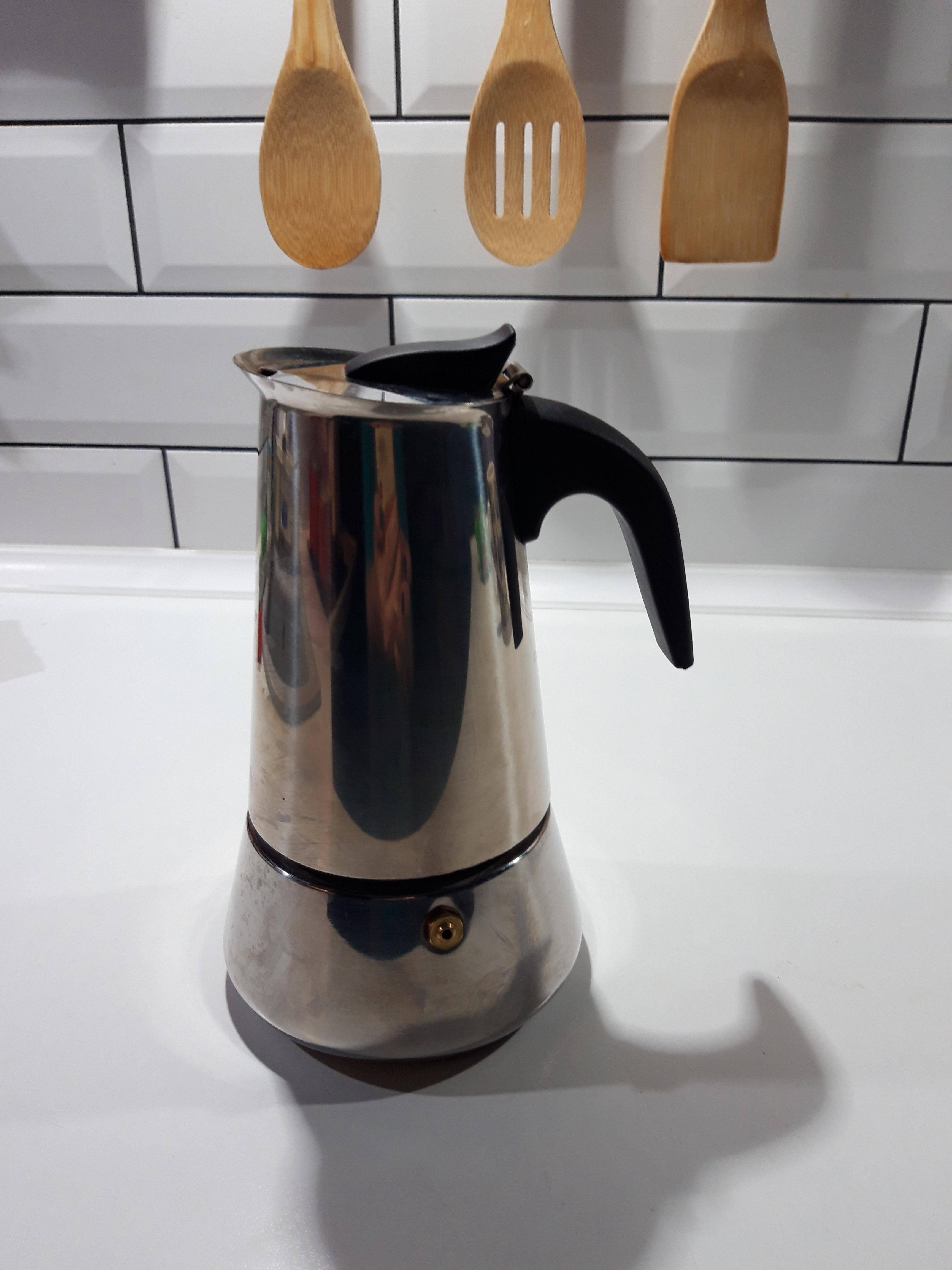 Кофеварка для индукционной плиты: гейзерный и вулканический кофейник с широким дном