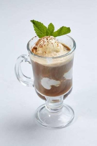 Кофе с мороженым – 9 рецептов горячих и холодных напитков