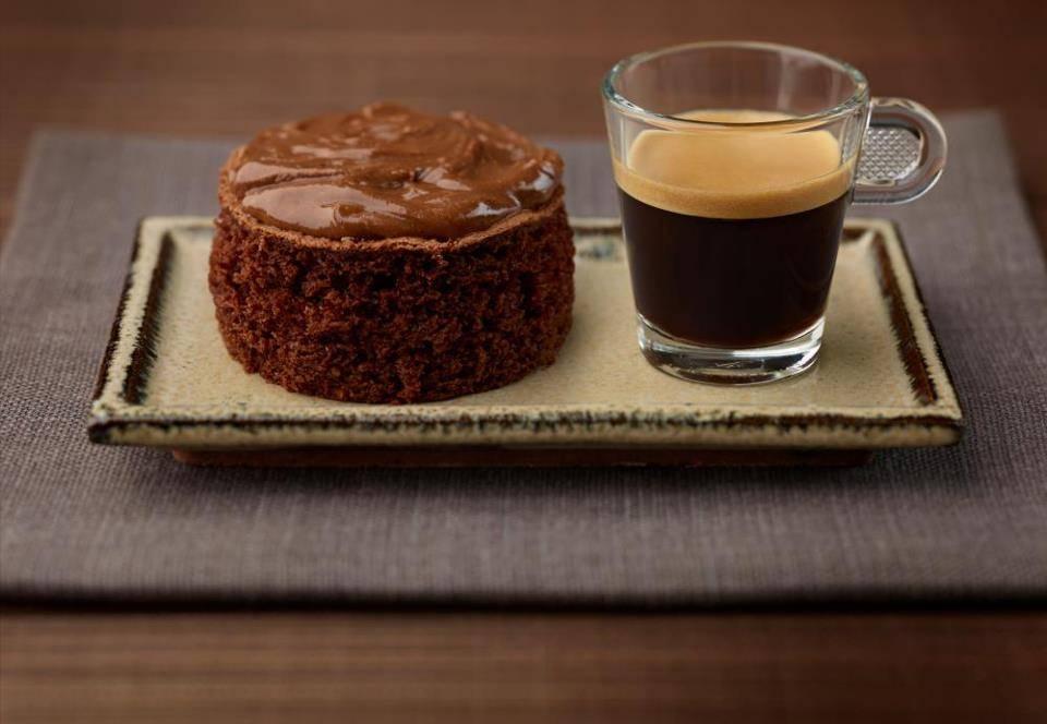 Кофе и шоколад - прекрасное дополнение друг для друга.