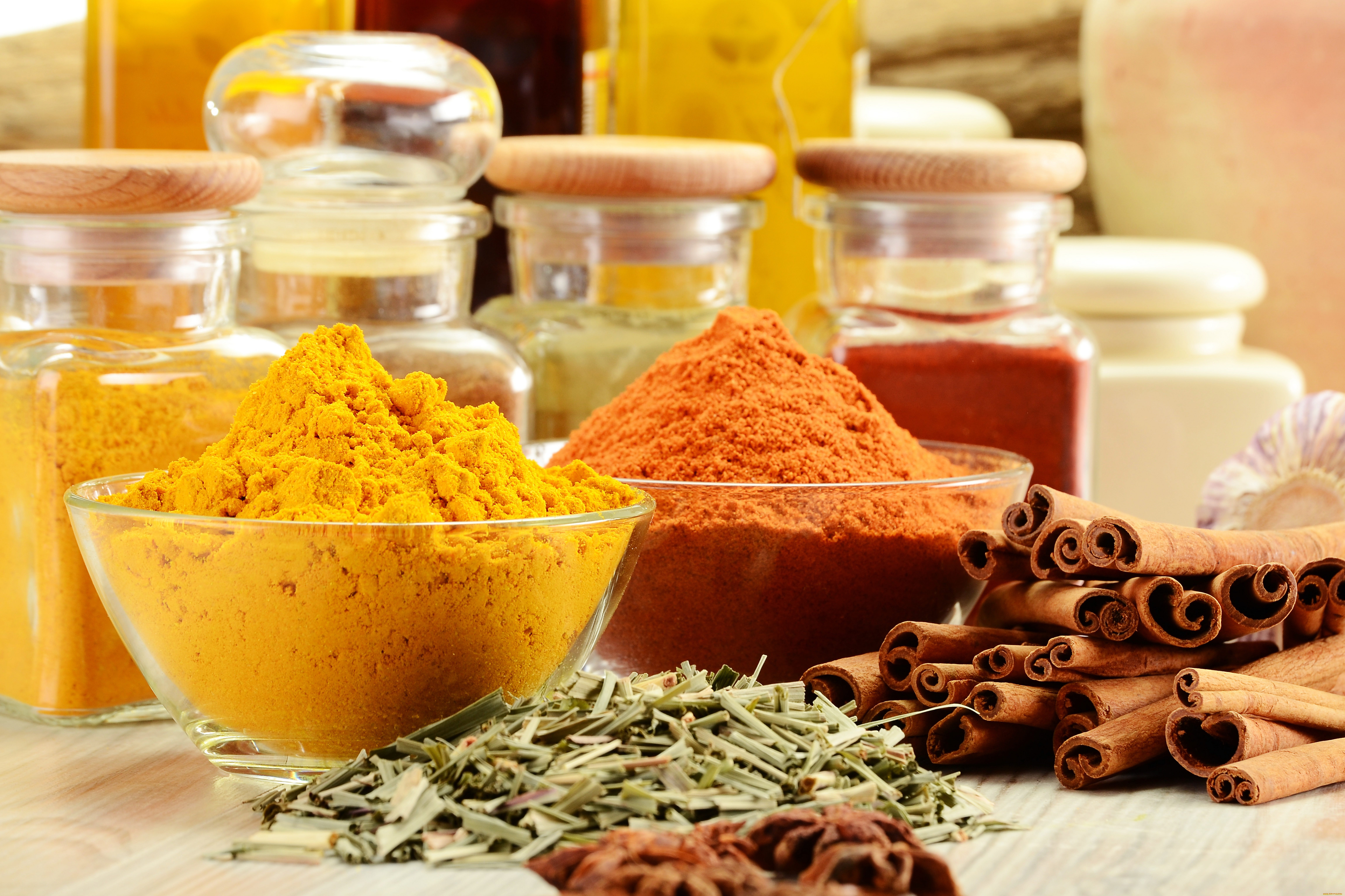 Про куркуму и её применение в кулинарии: что это за приправа и куда добавлять
