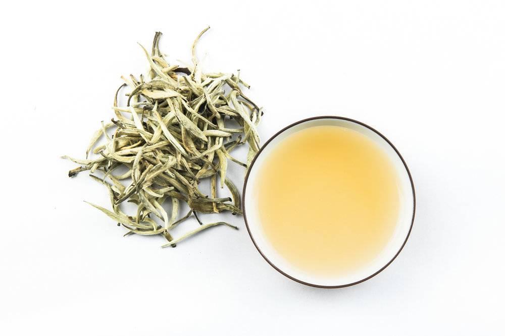 Белый чай: свойства напитка, польза и вред