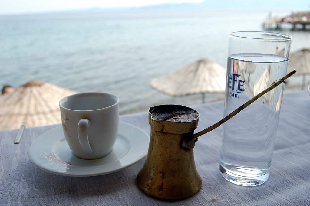 5 причин, почему нельзя пить кофе на пустой желудок :: инфониак
