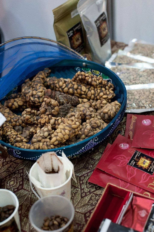 Фототелеграф » самый дорогой кофе в мире, или за что ценится кофе из какашек