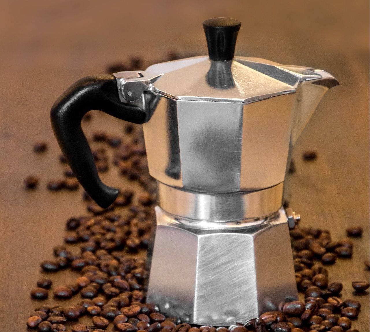 Как варить кофе в гейзерной кофеварке: 9 шагов и 8 советов