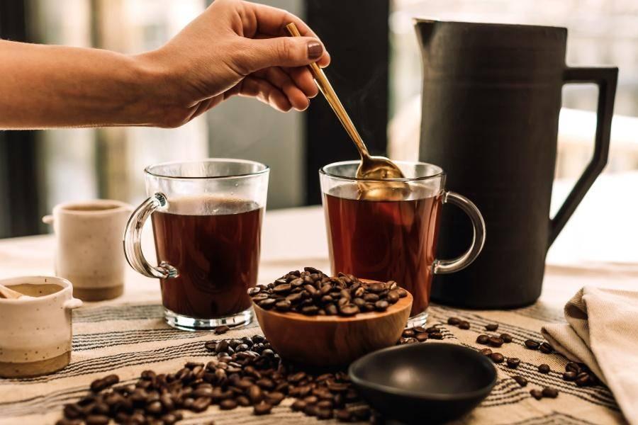 Варианты использования кофеина для кожи лица