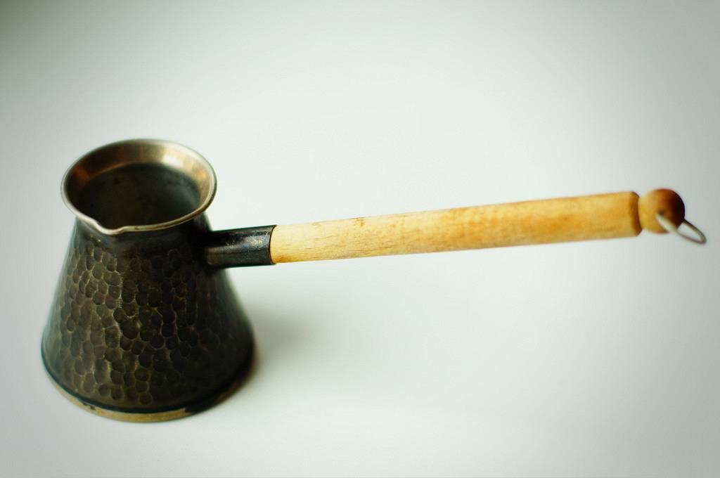 Турка для кофе (джезва): устройство, виды, материалы изготовления