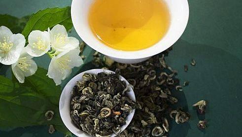 Чай лунцзин (колодец дракона): полезные свойства, заваривание