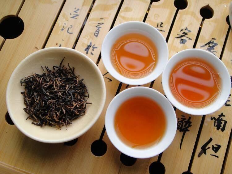 Красный чай: особенности, полезные свойства и вред, рекомендации по выбору