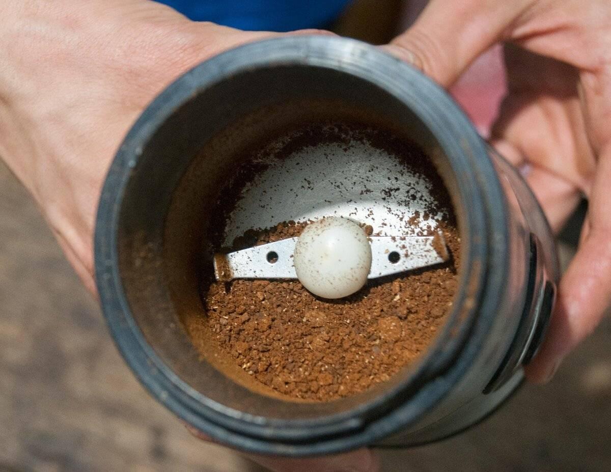 Способы помола кофейных зерен при отсутствии кофемолки