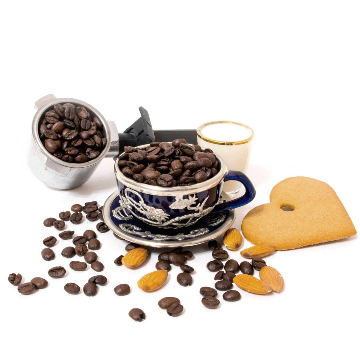 Классические и модные рецепты кофе с амаретто