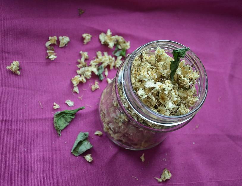 Жасминовый чай: состав, польза, как заваривать, норма в день