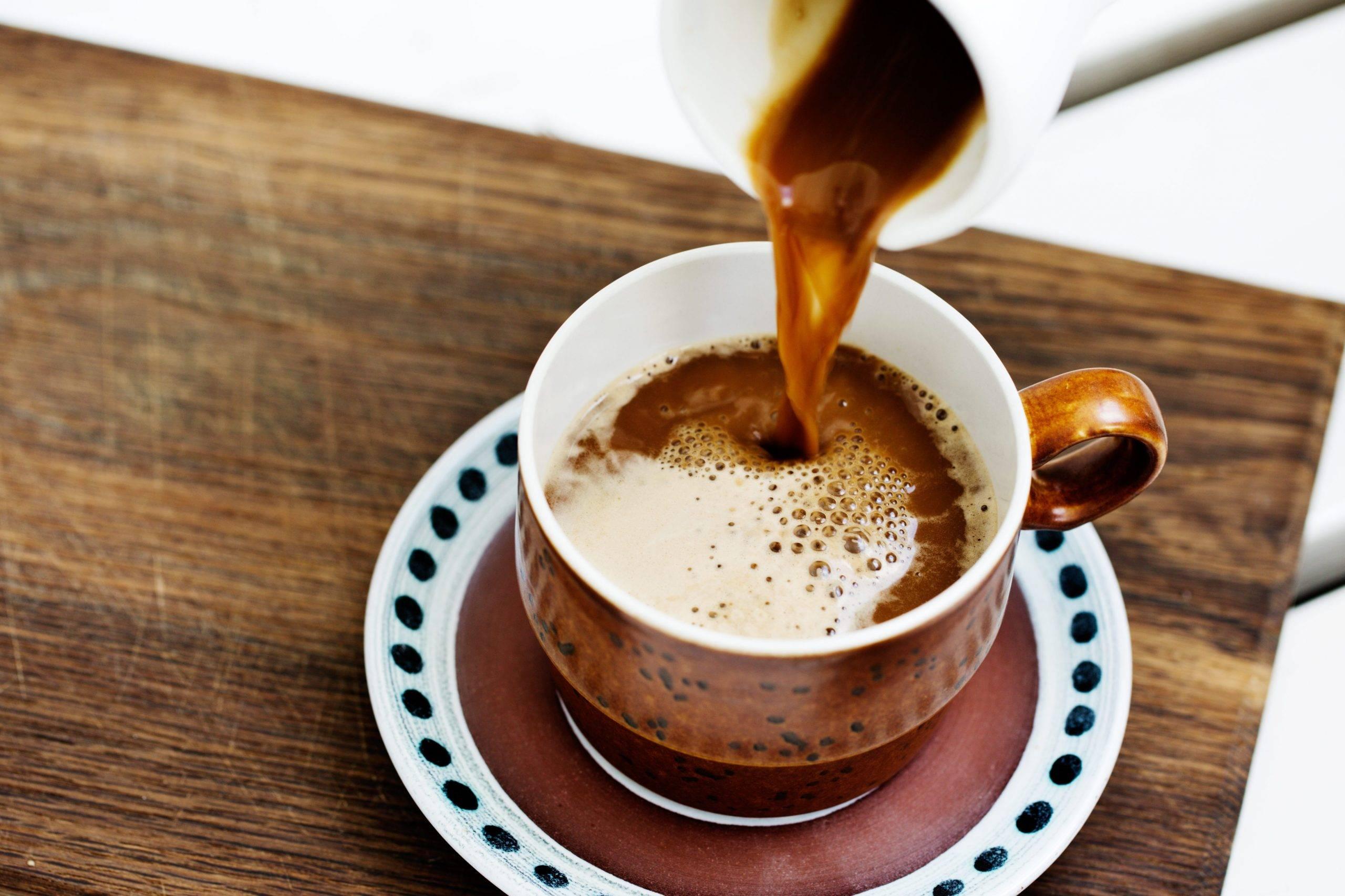 Люди  во всем мире подсели на кофе со сливочным маслом, и вот почему :: инфониак