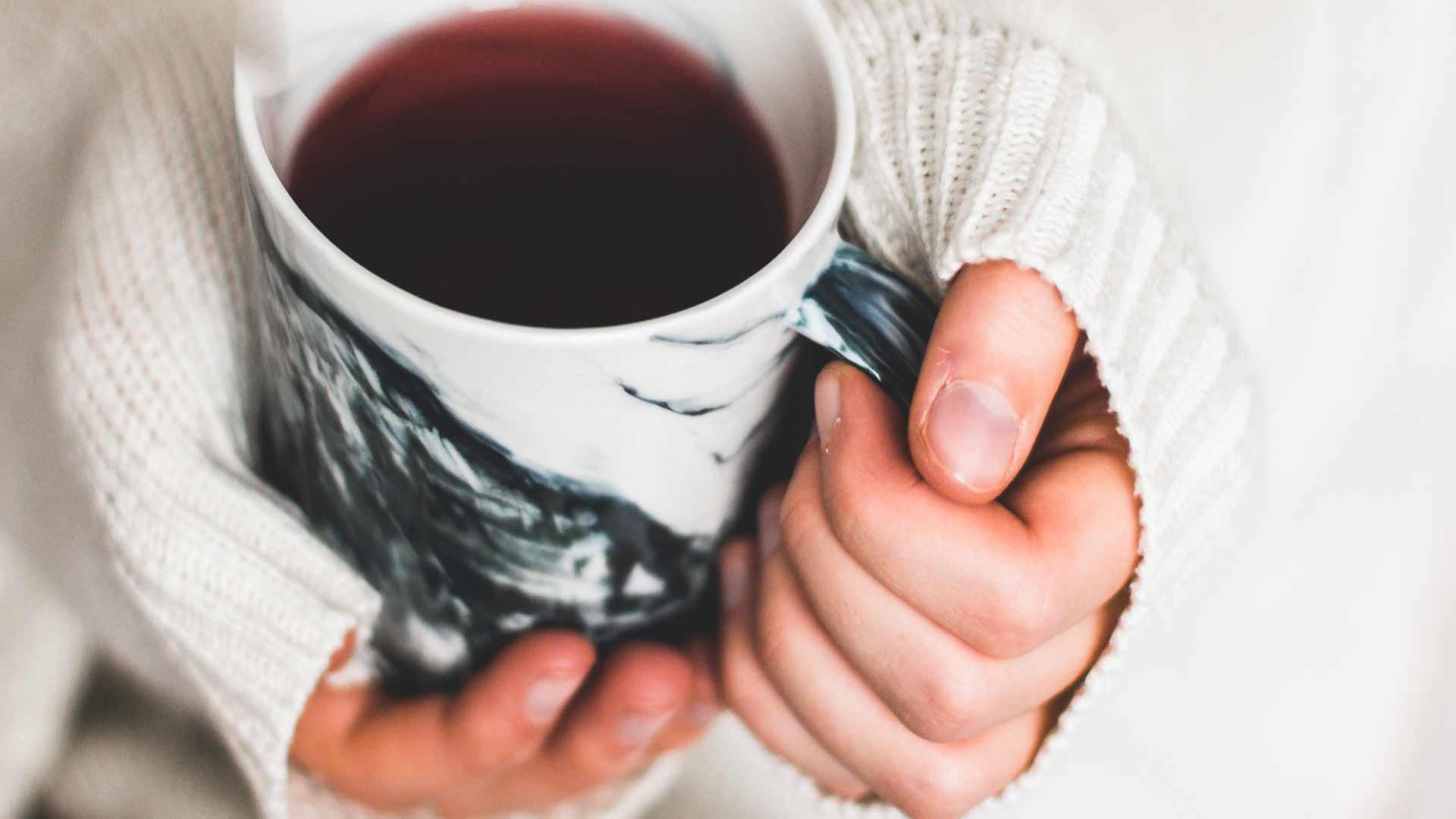 Что будет если выпить кофе во время месячных