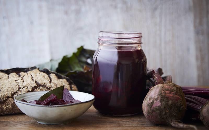 Этот напиток – кладезь витаминов! как приготовить и принимать сок из свеклы?