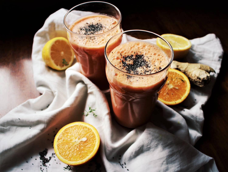 Смузи-это. питательные смузи-- заряд бодрости и энергии в одном стакане.