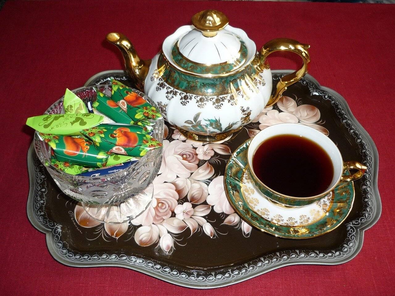 Чай с молоком – вкусный и полезный «коктейль»