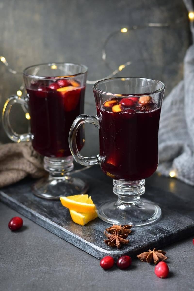 Как приготовить вкусный, горячий безалкогольный глинтвейн в домашних условиях? лучшие рецепты приготовления безалкогольного напитка глинтвейна из сока, чая, варенья, клюквенного морса?