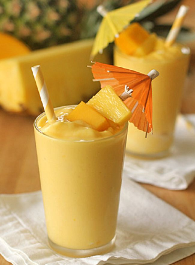 Cмузи из банана и клубники - 11 быстрых рецептов для блендера