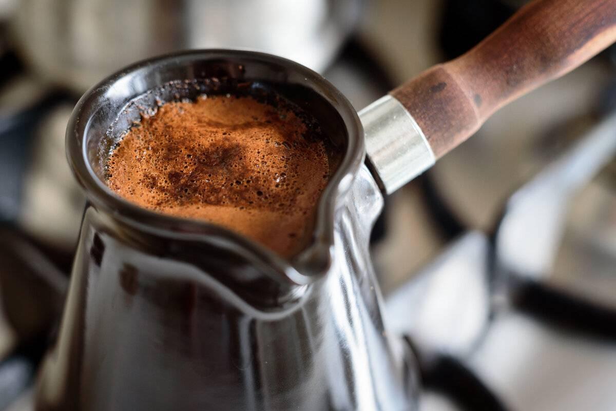 Какой помол кофе лучше для рожковой кофеварки: степень и как молоть