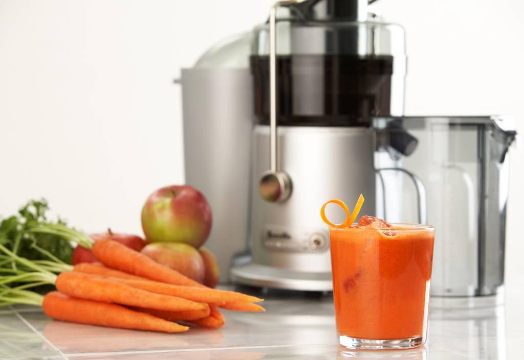 Полезные свойства морковного сока: как готовить и принимать напиток для здоровья, настроения и красоты