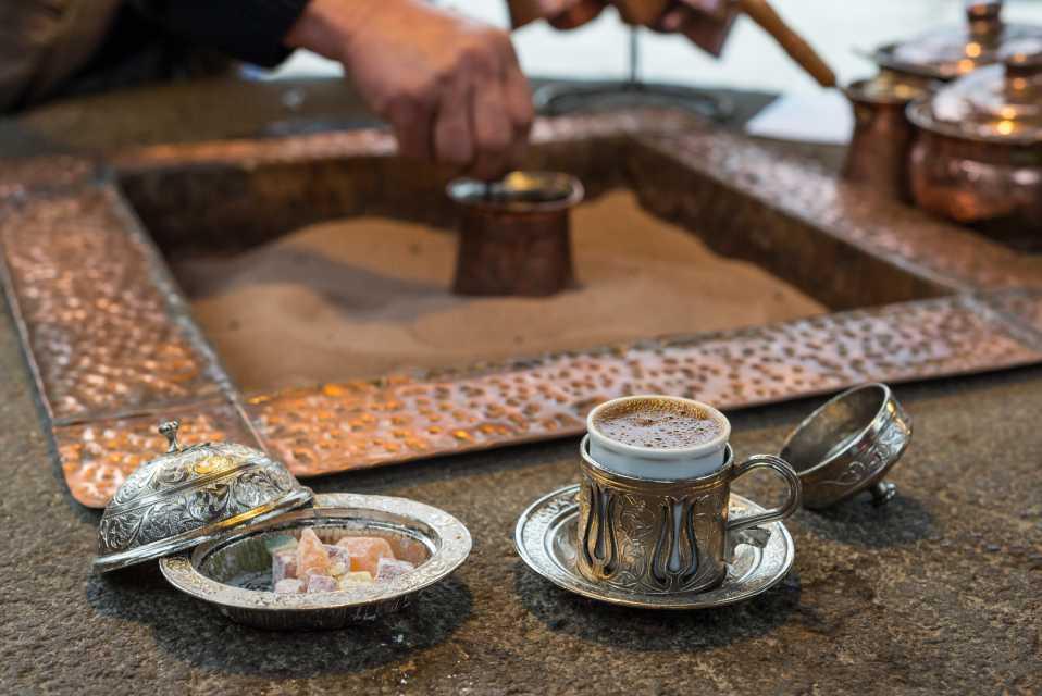 Как варить кофе по турецки в турке: история появления рецепта, способ приготовления в домашних условиях