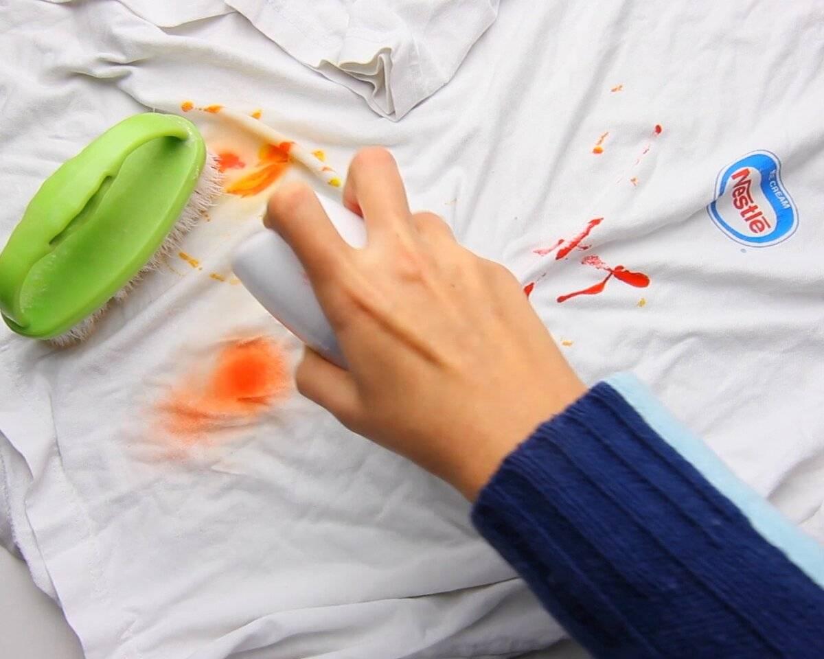 7 способов удалить пятна от цитрусов с одежды