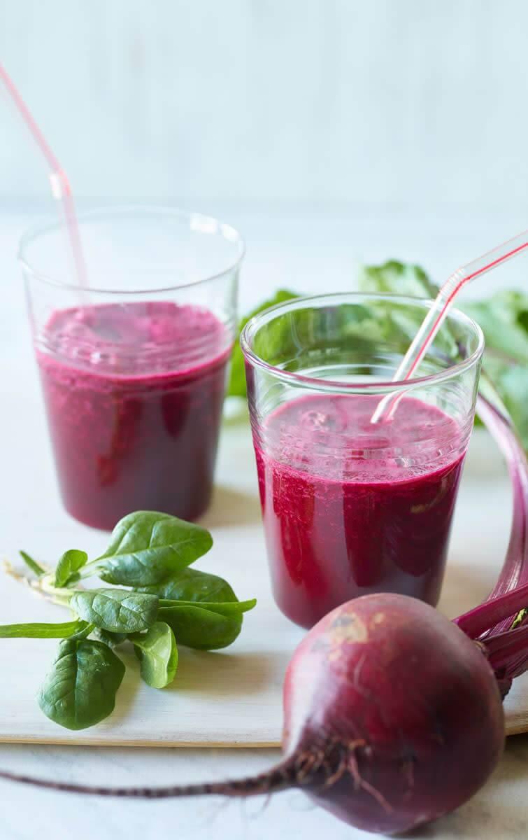 Как приготовить свекольник: 8 рецептов вкусного летнего супчика