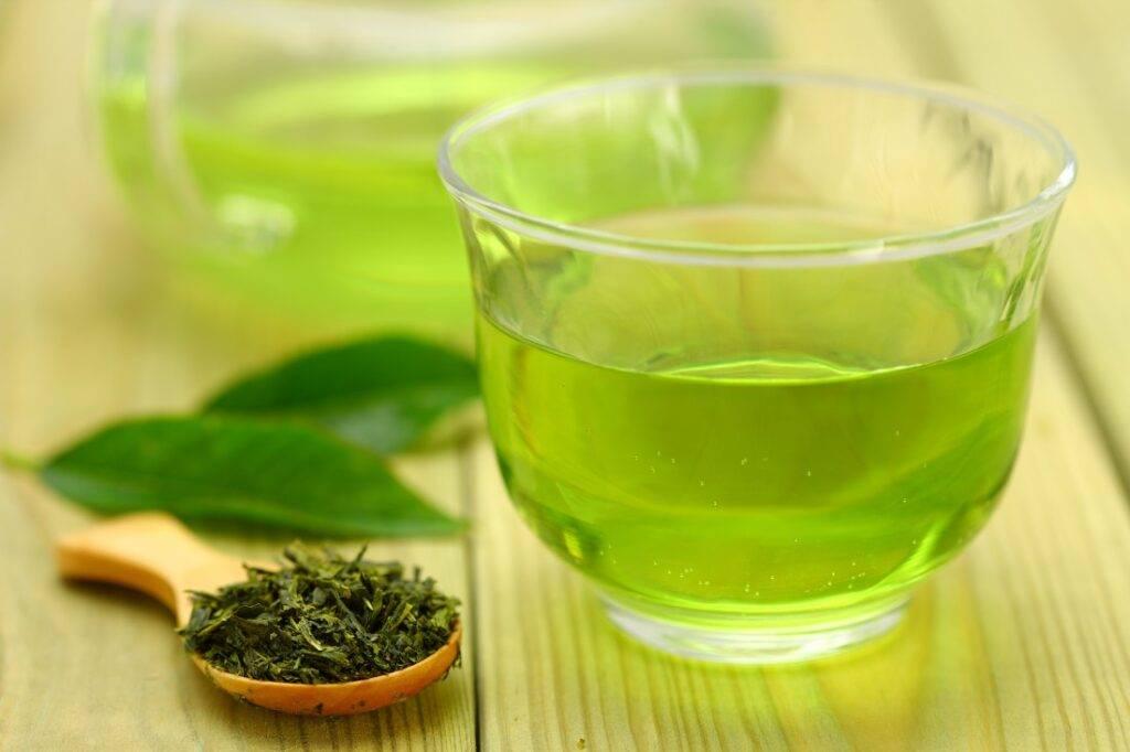 Каркаде понижает или повышает давление - полезные свойства холодного и горячего напитка