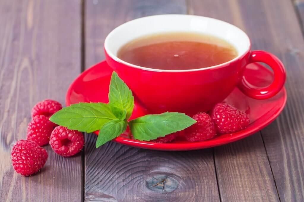 Можно ли пить малиновый чай при простуде