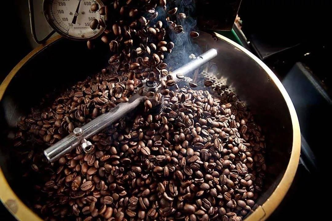 Как можно обжарить кофейные зерна в домашних условиях