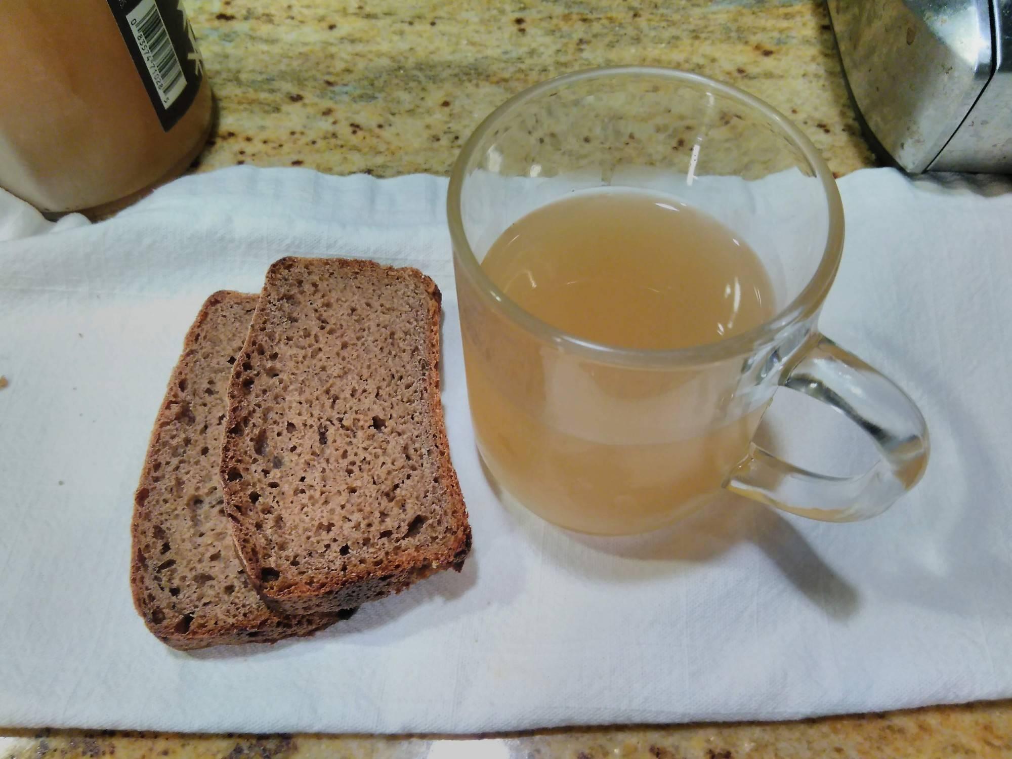 6 простых рецептов домашнего кваса - лайфхакер