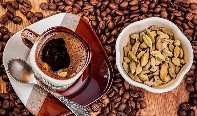 Как приготовить кофе с кардамоном - рецепты на любой вкус