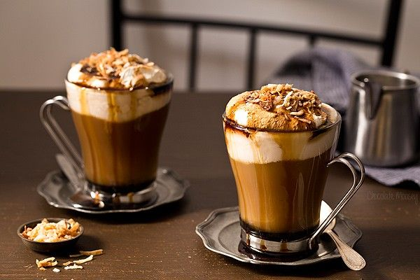 Как сделать кофейный ликер и с чем его пьют — рассматриваем суть