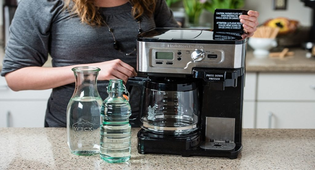 Как самостоятельно почистить кофемашину от накипи: выбор средств, лимонная кислота или таблетки, функция самоочистки